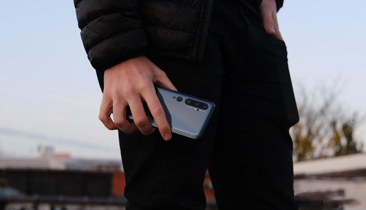 نقد و بررسی Mi Note 10؛ بیرقیب در قیمت و امکانات!