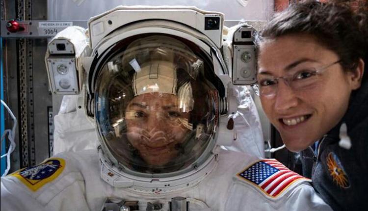 تعویض باتری ایستگاه فضایی بین المللی به دست دو زن